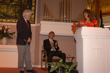 Cheryl Harrison acknowledges Rev. Alan Rowbotham, Senior Minister at First Unity Church in St. Petersburg, FL